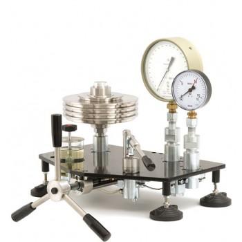 МП-600 - Манометр надлишкового тиску вантажопоршневий класу точності 0,02